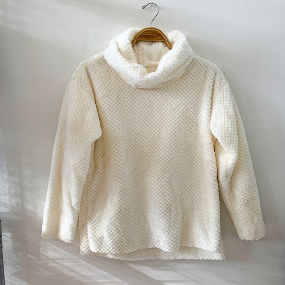 unknown Sweaters - White Supersoft Cowl Neck sweater